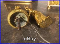 Éléments personnages en bronze doré bougeoir chandelier du XIXe siècle