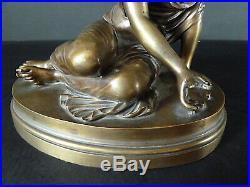 Jeune Femme Joueuse D'Osselets en Bronze époque XIX Siécle Jeu 19th
