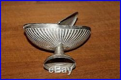 Navette a encens en bronze argenté et sa cuillère XIXe Siècle
