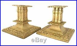 Paire De Bougeoirs En Bronze Doré Decor De Dauphin Fleur De Lys XIX Éme Siècle