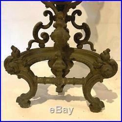 Paire de chenets en bronze ciselé a décor de dragons XIX siècle