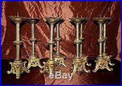 Parure d' autel huit pique cierges en bronze doré XIXe Siècle
