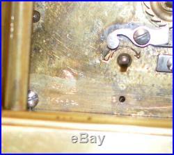 Pendule dit dofficier Bronze Verre bombé Etui dorigine. XIXè siècle Fonctionne
