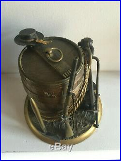 Pot a tabac aux attributs de la marine royal, en bronze polychrome, XIX siécle