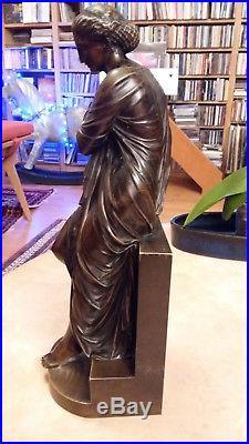 Très beau bronze néoclassique du XIXe siècle signé, statuette, sculpture